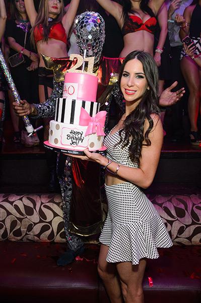 Jen-Selter-Birthday-Cake-at-TAO