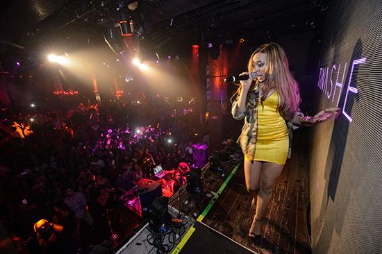 Tinashe-Performs-at-TAO-Nightclub