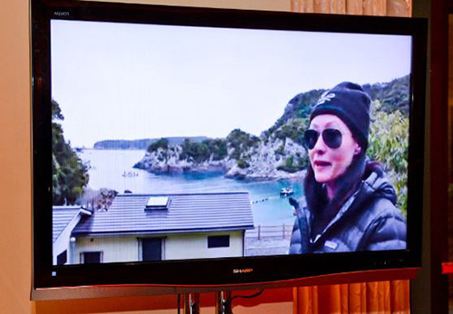 Shannen-Doherty-live-stream-from-Taiji-Japan_Sea-Shepherd-Exhibit-at-Encore2