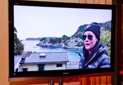 Shannen-Doherty-live-stream-from-Taiji-Japan_Sea-Shepherd-Exhibit-at-Encore2
