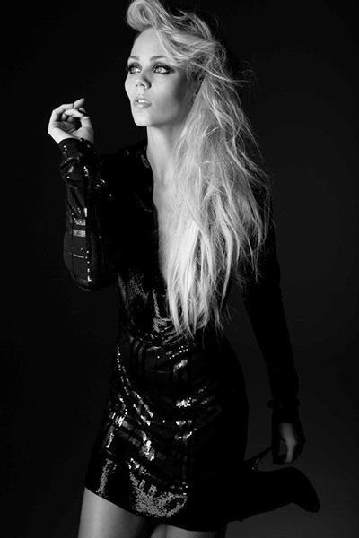 Laura-Vandervoort-3