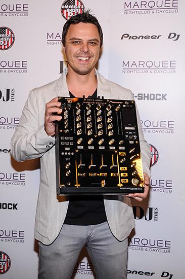 Markus-Schulz-with-24-Karat-Gold-Pioneer-DJ-Mixer