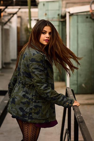 Selena-Gomez-Adidas-NEO-3