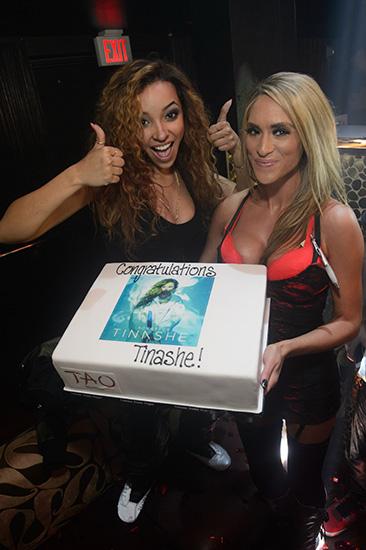 Tinashe-With-Aquarius-Album-Cake-at-TAO
