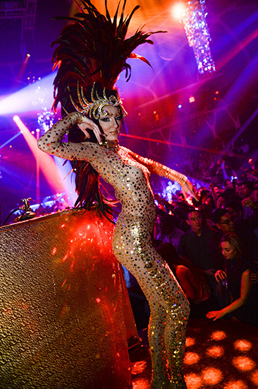 Hakkasan-Halloween_Atmosphere-Dancer-2