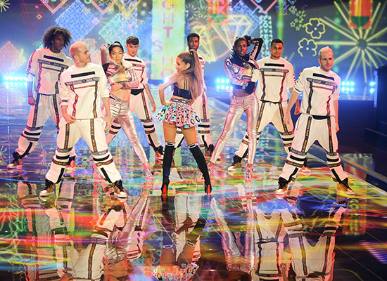 VS-Ariana-Grande