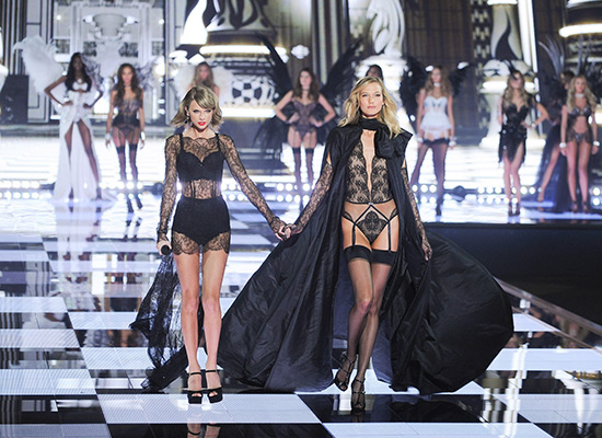 VS-Taylor-Swift-Karlie-Kloss