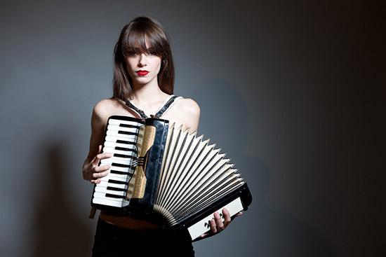 Alexandra-essoe-2
