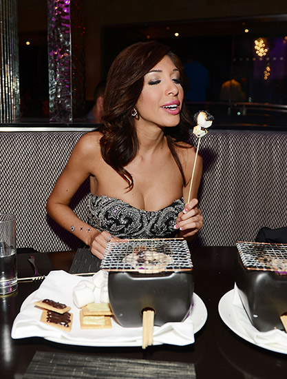 Farrah-Blowing-Out-Smores-at-N9NE-Steakhouse
