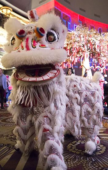Chinese-New-Year_Lion-Dance_Hakkasan-Las-Vegas_2.19.15