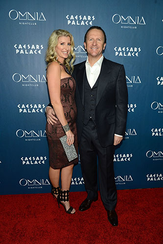 Hakkasan-Group-CEO-Neil-Moffit-and-Wife-Heidi-Moffitt_OMNIA-Nightclub-LV-Red-Carpet_Denise-Truscello