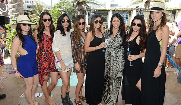 Kourtney-Kardashian-and-friends_Marquee-Dayclub-c1