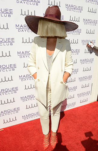 Sia_Marquee-Dayclub_red-carpet