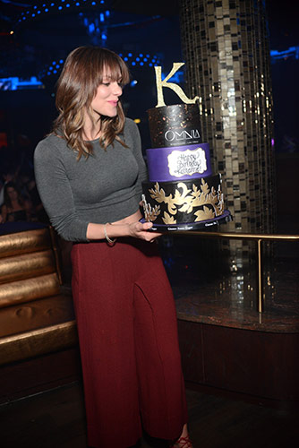 Katharine-McPhee_Birthday-Cake_OMNIA-Nightclub