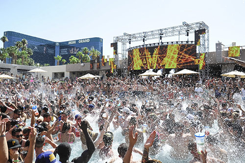 wet-republic-spyonvegas-hot100
