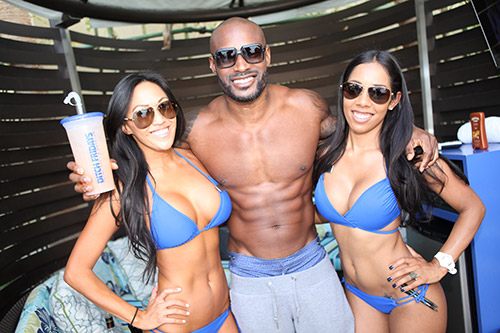 Tyson-Beckford-hanging-out-at-Ditch-Fridays-at-Palms-Pool-&-Dayclub
