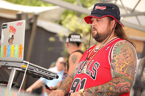 Closeup-of-Chumlee-Spinning