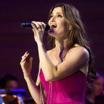 Idina Menzel Wows at the Pantages