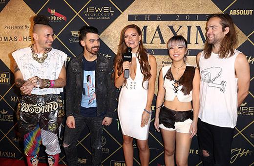 maxim-superbowl-party-13