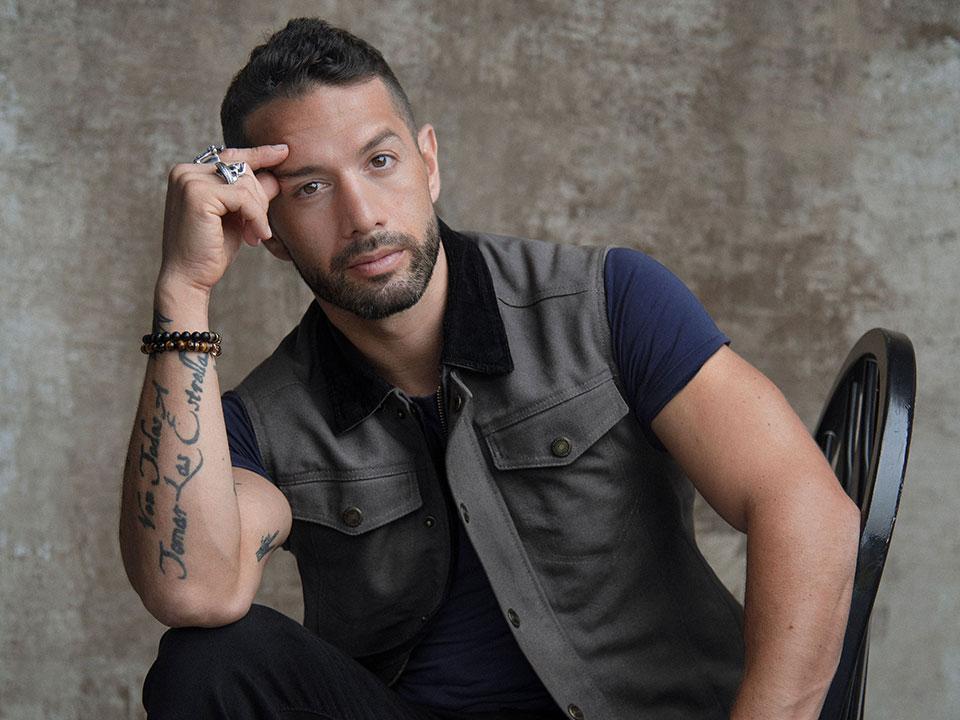 Interview with talented Mexican-American actor Bayardo De Murguia |  naludamagazine.com